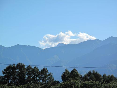 三峰の丘北岳