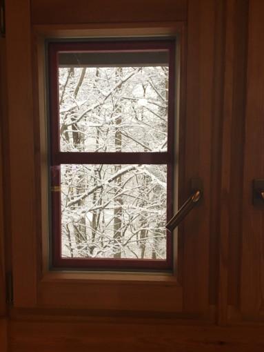 20170302 窓の雪