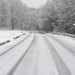 朝起きたら泉ライン近辺は雪の中