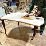 10月の個展に向けいっぴん工房新作テーブル仕上げ中動画